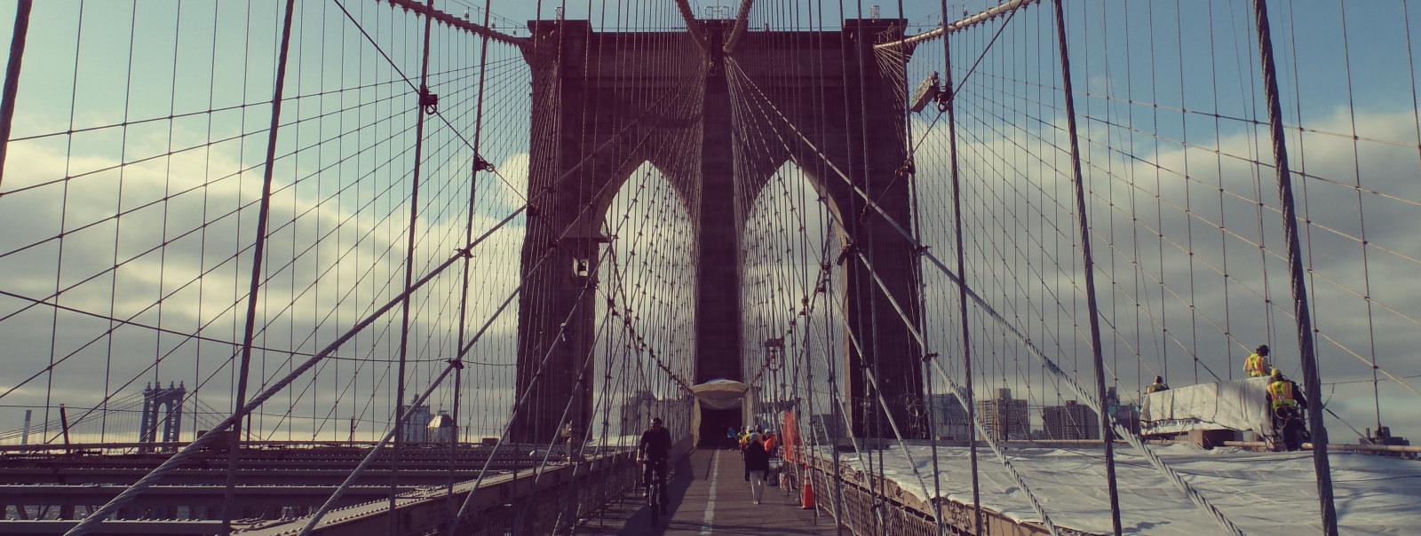 images/unsplash_brooklyn-bridge_header.jpg